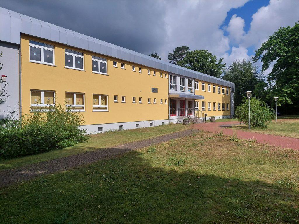 Margeriten-Schule Straßenansicht links